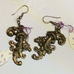 Vintage Victorian Goth Style Dangle Fluer Earrings